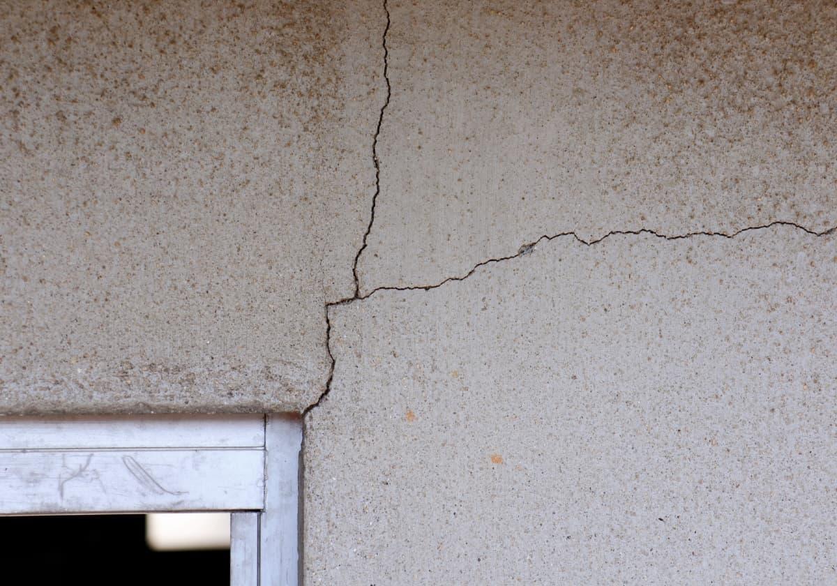 外壁塗装の経年劣化のイメージ
